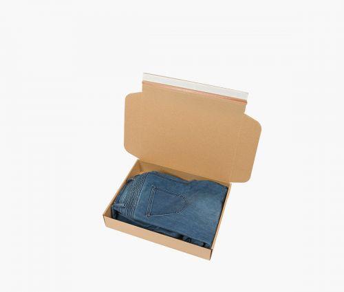Boîte carton FAST 30 - La boîte se plie en 3 étapes simples et ne nécessite pas l'utilisation de ruban adhésif en plus ✦ Window2Print